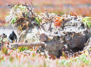 Navy SEALS Soldiers are also trained in sniper shot. The goal is to master all the techniques of combat. / navyseals.com