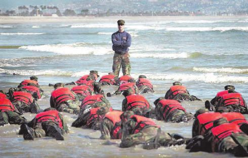 Cold, damp, physical and psychological exhaustion ... Every effort has its rewards, but the way to get to become a Navy SEAL is arduous and expensive. / navytimes.com
